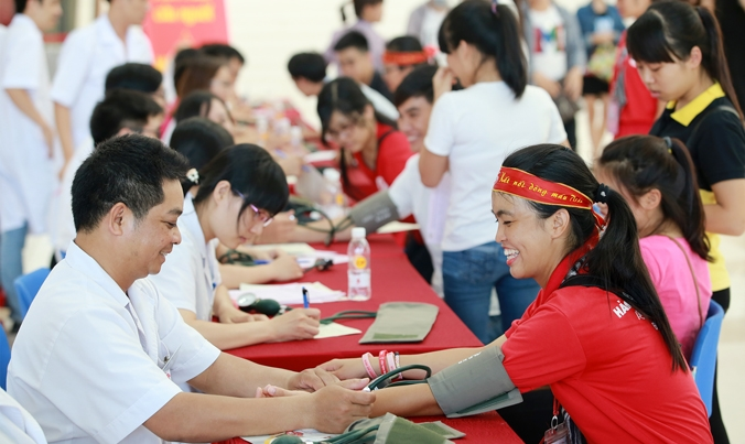 Since 01  to 31:july 2016 Vietnam Red travel throught 26 provinecs and cities  .Collected 20,699 Blood Units.